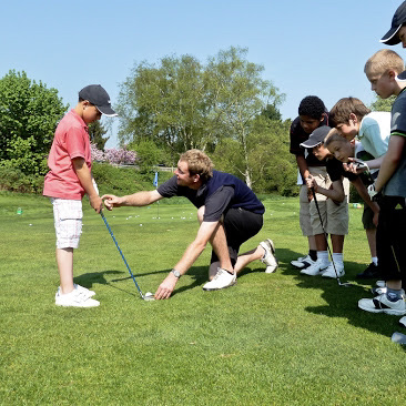Kids-golfing-lessons-columbia-valley
